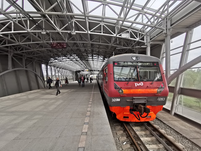 ウラジオストク空港電車